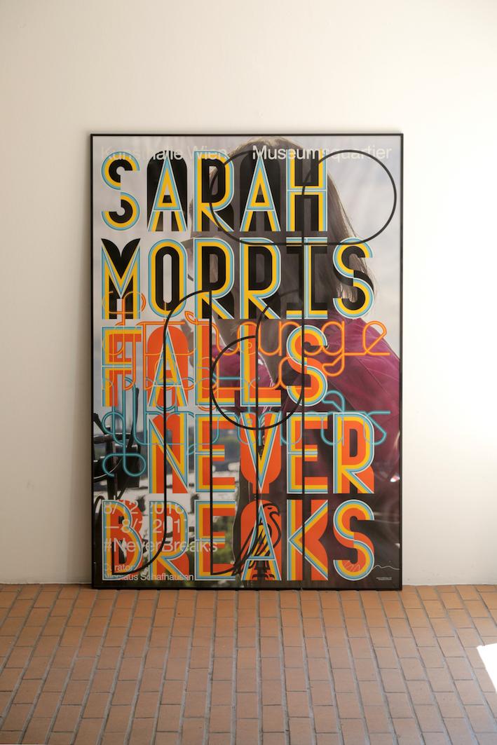 Sarah Morris Sarah Morris. Falls Never Breaks 2016 10 Farbiger Siebdruck auf Papier 120 x 176 cm Ed 100 Kunsthalle Wien